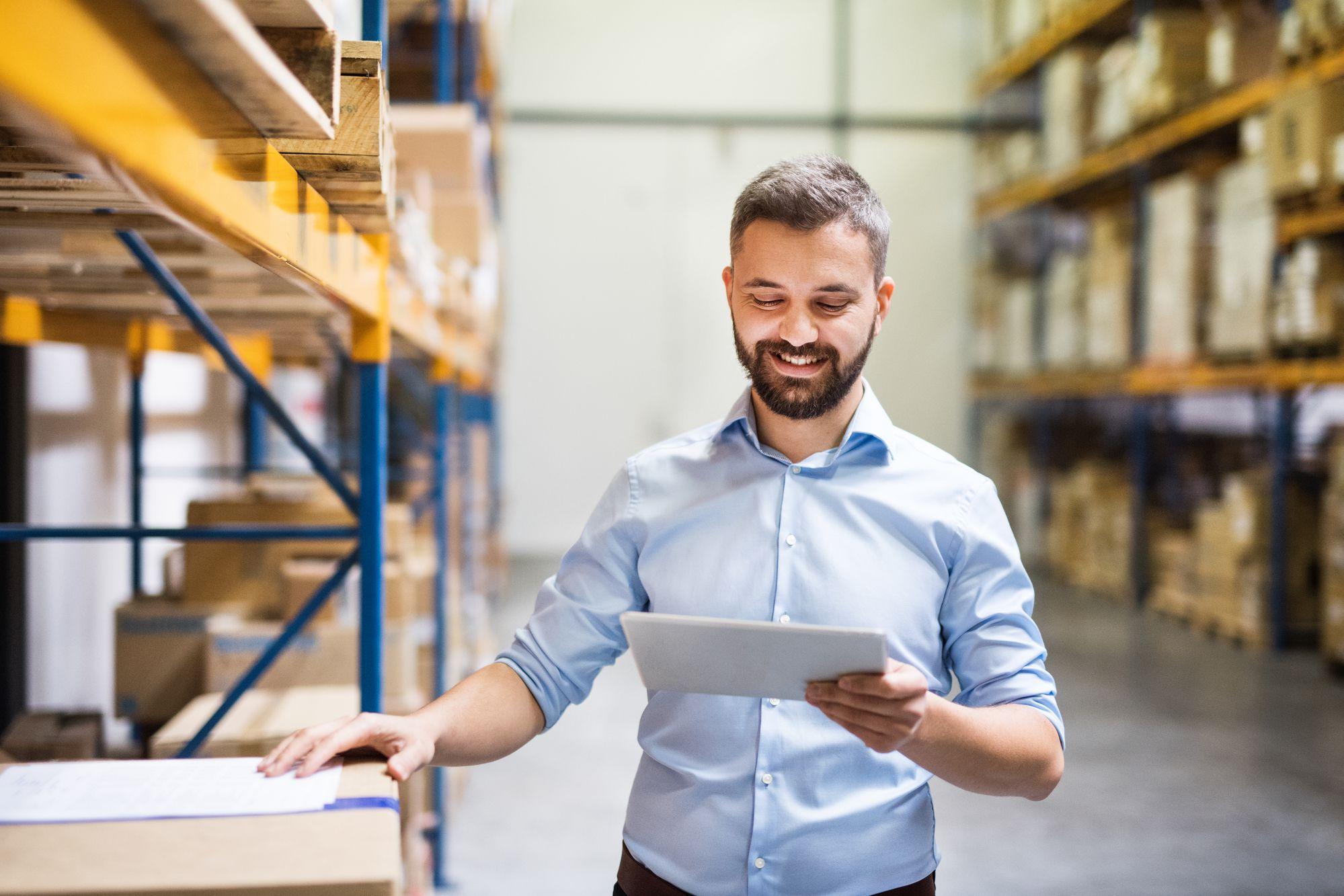 Como a tecnologia ajuda na gestão de compras e estoque? - Techconn